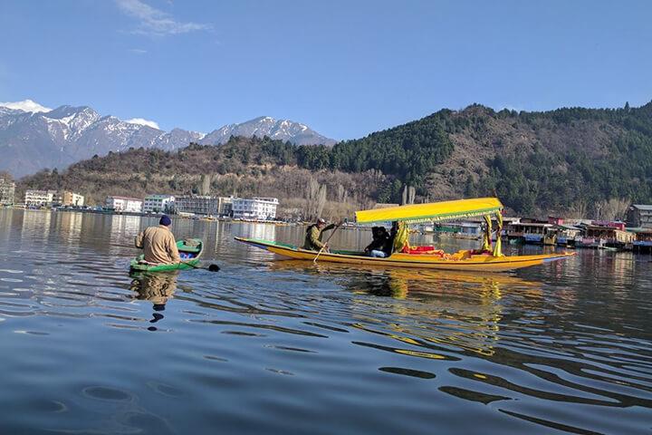 Srinagar Houseboat Package