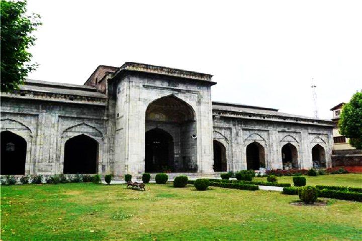 Pather Masjid Srinagar