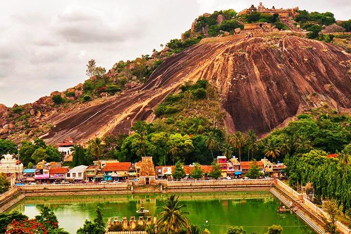 Akkanabasadi Temple, Sravanabelagola