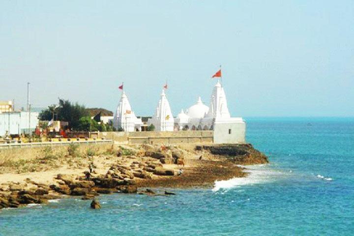 Tukda Miyani beach