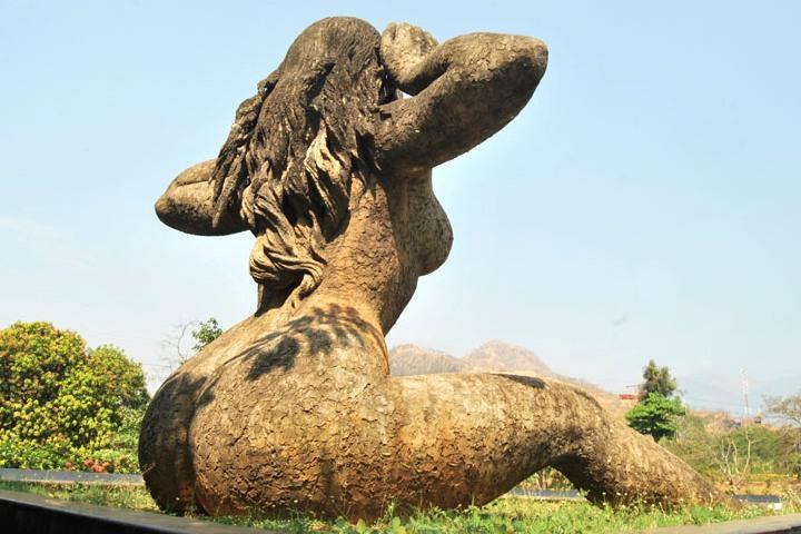 Yakshi Statue