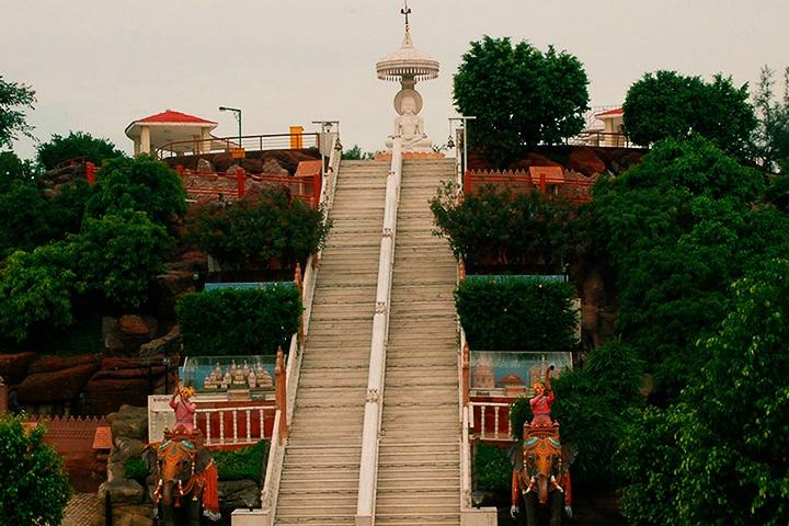 Teerthdham Mangalaayatan