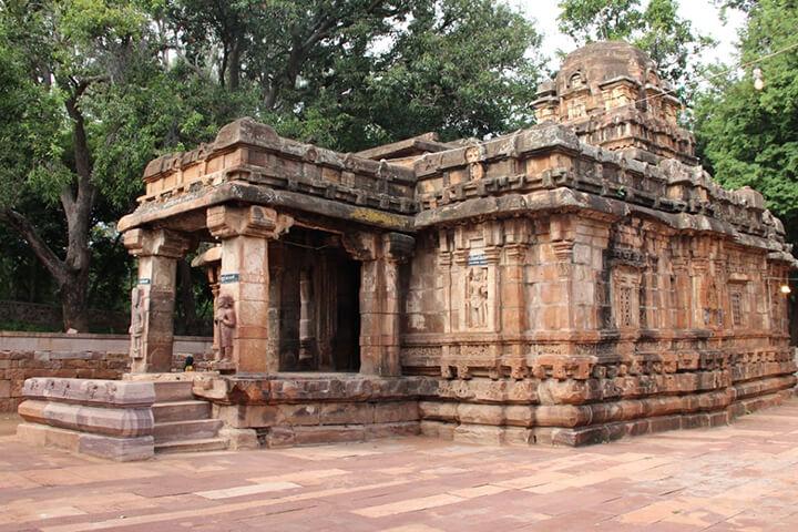 Chikkamahakuteshwar Temple